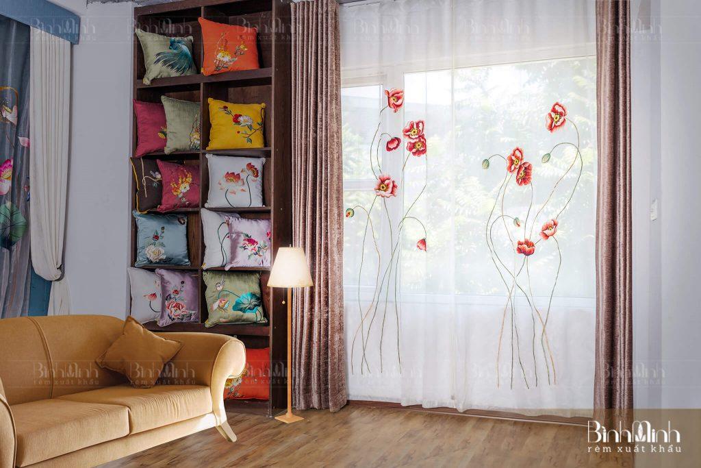 Rèm vải 2 lớp mang lại sự uyển chuyển mềm mại cho khách sạn
