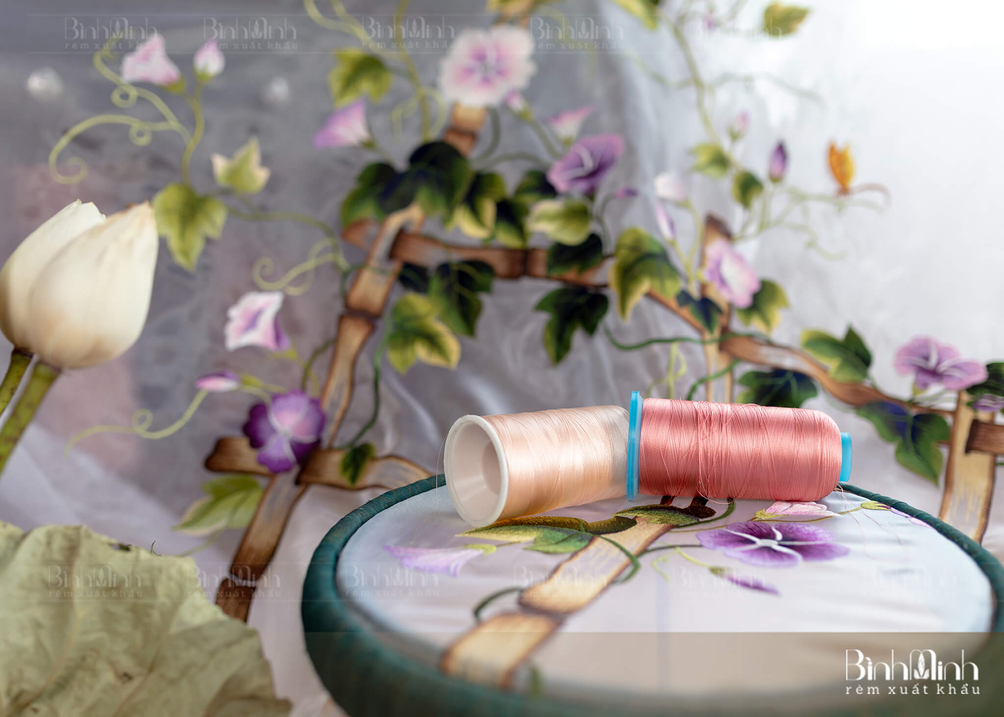 Vải voan thêu hoa