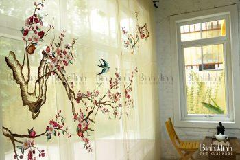 Những mẫu rèm thêu hoa đào vô cùng tinh tế