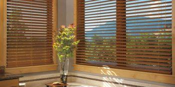 Đừng bỏ qua mẫu rèm gỗ khi chọn rèm cửa phòng ăn nhé!