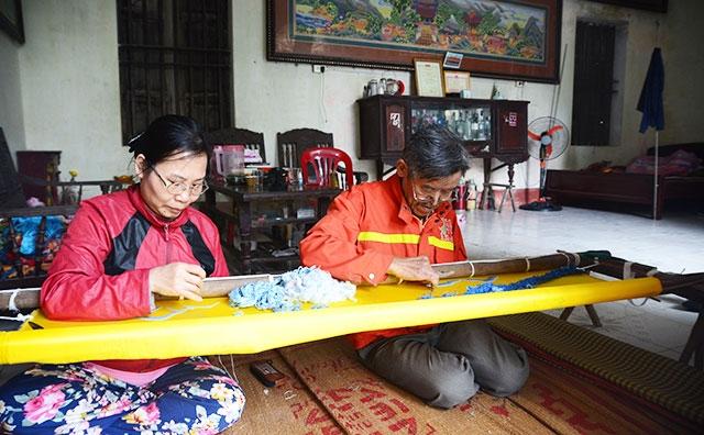 """Lịch sử phát triển đầy """"biến động"""" của Làng thêu Thái Bình"""