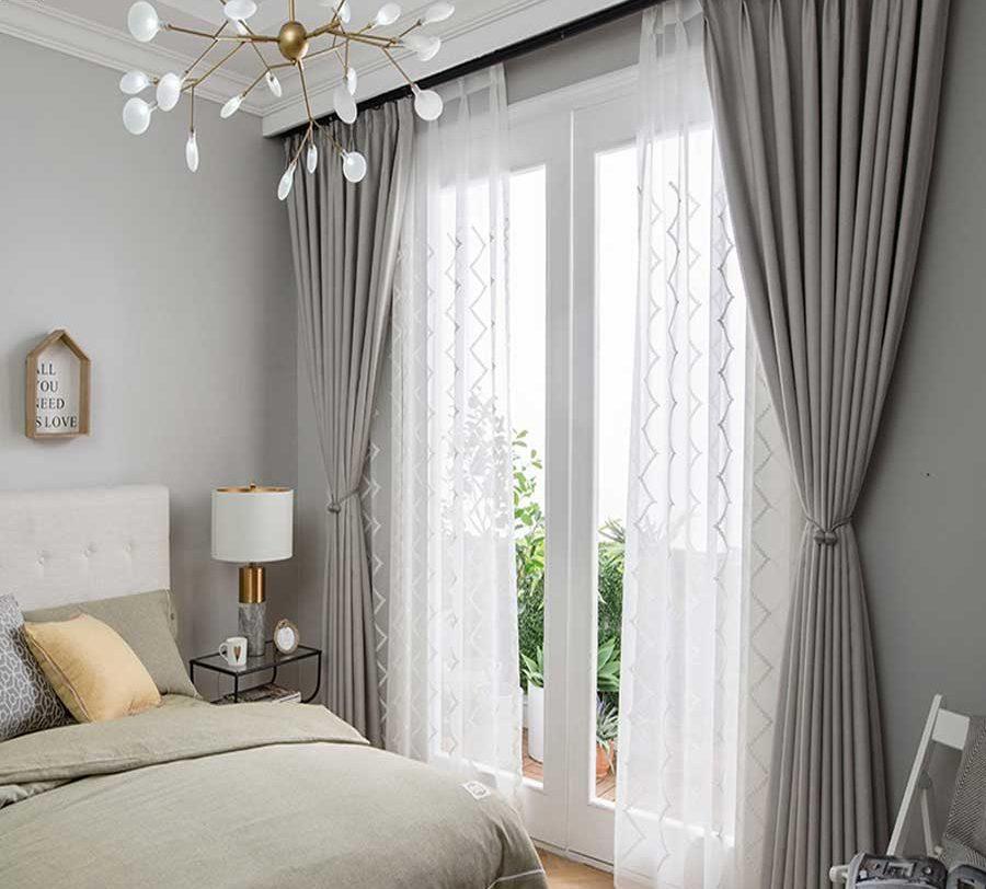 Cách chọn rèm che nắng phù hợp với phòng ngủ hiện đại